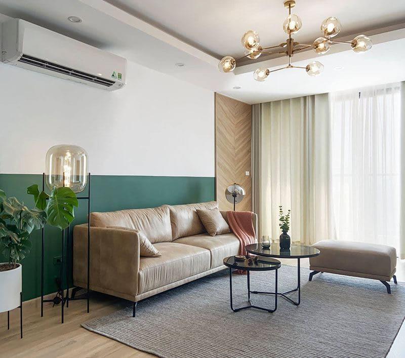Sofa da màu nâu TS310 có kiểu dáng nhỏ gọn, tinh tế phù hợp với không gian phòng phòng khách chung cư, nhà phố.
