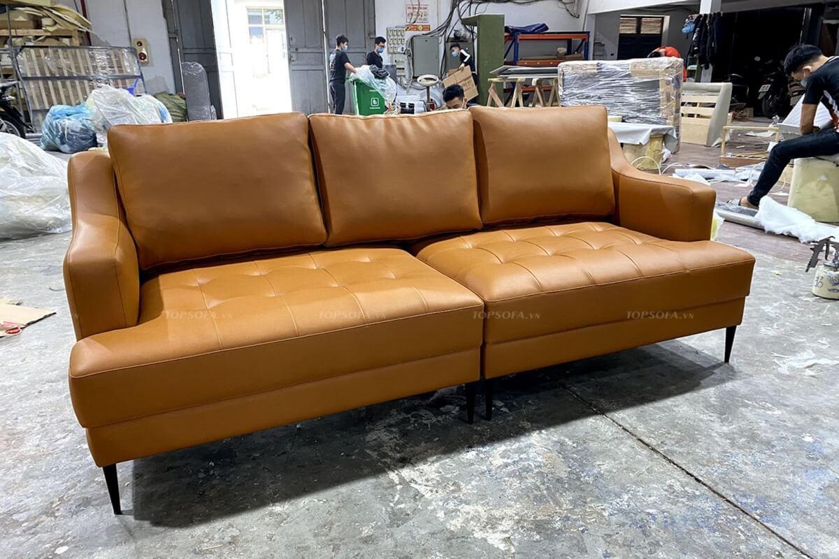 Hình ảnh sofa văng da TS321 tại xưởng sản xuất