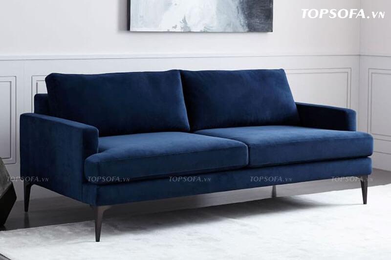 Màu xanh navy đậm luôn mang lại cảm giác sang trọng và dấu ấn đầy cá tính của gia chủ. Với thiết kế vuông vắn mang lại sự gọn gàng thanh lịch, mẫu ghế sofa này luôn lọt top những chi tiết nội thất khiến nhiều người mê mẩn.
