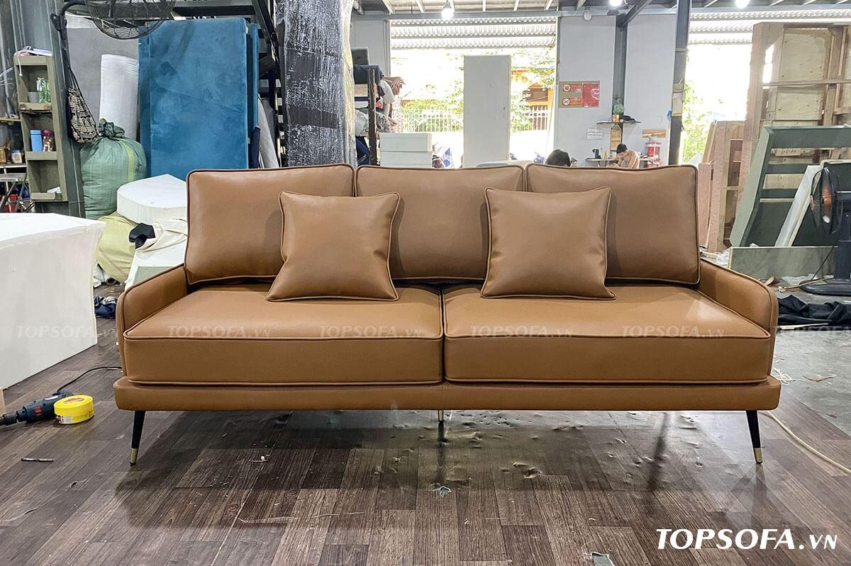 Nếu nói về kiểu dáng thì mẫu sofa văng 2 chỗ này chính là một trong những mẫu thiết kế thời thượng nhất thời điểm hiện tại.
