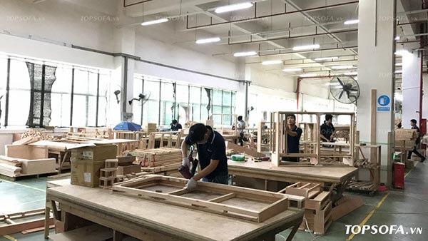 Chế tác thủ công kết hợp với dây truyền sản xuất hiện đại, chuyên biệt hóa từng khâu của Topsofa sẽ giúp bạn có sản phẩm sofa góc tròn ưng ý nhất