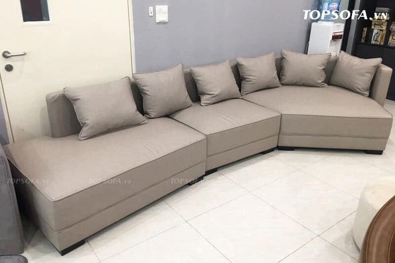 Kích thước sofa góc văn phòng rộng rãi tạo nên không gian nghỉ ngơi, trò chuyện chung cho nhân viên một cách thoải mái, tiện lợi nhất.
