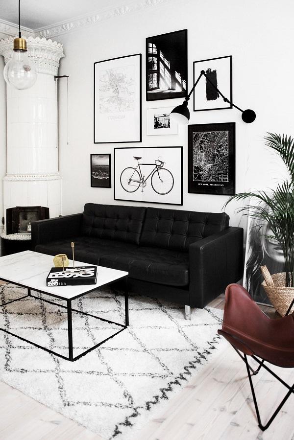 Mẫu sofa văng da màu đen có thiết kế hiện đại, 2 đệm ngồi rộng rãi và lưng tựa độ ngả vừa phải. Với mẫu sofa này sẽ giúp bạn dễ dàng hơn trong việc vệ sinh cho sản phẩm.