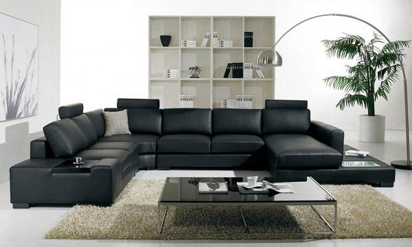 Sở hữu thiết kế mới lạ, thời thượng, sofa da kiểu dáng chữ U màu đen có kích thước lớn phù hợp với những không gian phòng khách hiện đại, rộng rãi