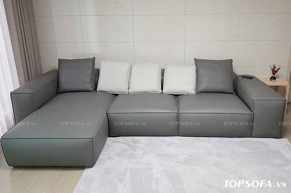Dù thiết kế sát sàn nhưng người dùng không cần quá lo về vấn đề vệ sinh, độ bền của mẫu ghế sofa TS206 bởi chất liệu da ít bám bẩn và có khả năng chống thấm tốt