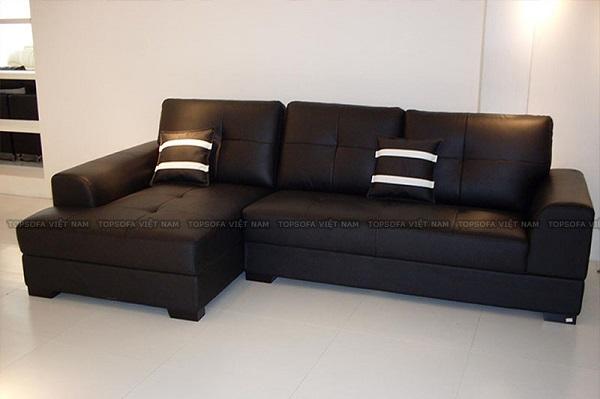 Sang trọng, nổi bật và đầy bí ẩn với mẫu sofa góc vuông da màu đen chữ L TS215. Những nút bấm điểm xuyến trên đệm ngồi, phần lưng và vạch kẻ trắng trên gối tựa sẽ tăng thêm sức hút cho bộ sofa
