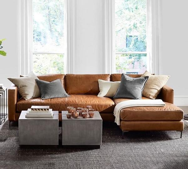 Sử dụng gam màu nâu vàng sang trọng, kết hợp với thiết kế dáng chữ L tinh tế mang đến bộ sofa da hoàn hảo. Phần đệm ngồi làm từ mút cao cấp, cùng với bọc da công nghiệp Nhật Bản sẽ giúp sản phẩm thêm bền lâu.