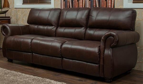 Sofa da màu nâu da bò thật được thiết kế theo phong cách hiện đại, đơn giản cùng họa tiết đường khâu chạy dọc thân ghế với tông màu nâu đất làm tăng thêm thẩm mỹ cho chiếc ghế. Chất liệu da thật đem đến cho người sử dụng trải nghiệm vô cùng cao cấp.