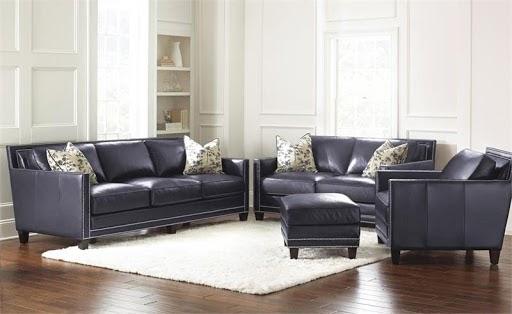 Đây là 1 bộ sofa bao gồm một sofa văng 3 chỗ, một sofa văng 2 chỗ và một sofa đơn dùng cho căn hộ có phòng khách rộng rãi. Điểm nổi bật của bộ sofa là thiết kế hiện đại này màu sắc xám xanh hiện đại với phần da bóng bẩy,