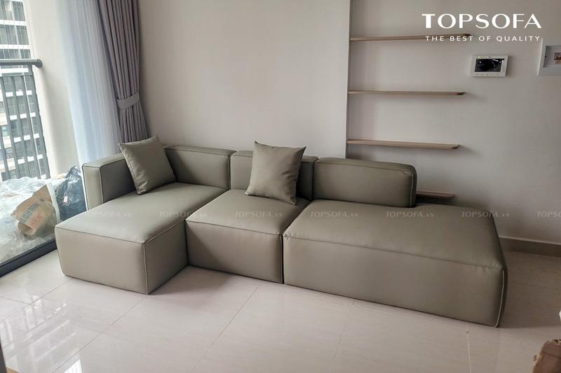 Thiết kế sàn sàn giúp tạo độ vững chắc tuyệt đối cho sofa góc nhỏ gọn TS248 mà không ngại bám bẩn, khó vệ sinh nhờ chất liệu da ít bắt bụi, dễ lau chùi