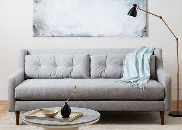 Gây ấn tượng với gam màu trắng sữa nổi bật, sang trọng. Mẫu ghế sofa mini băng dài với thiết kế đơn giản, đệm ngồi được thiết kế trải dài, không chia đệm ngồi giúp bạn có thể khai thác tối đa công năng.