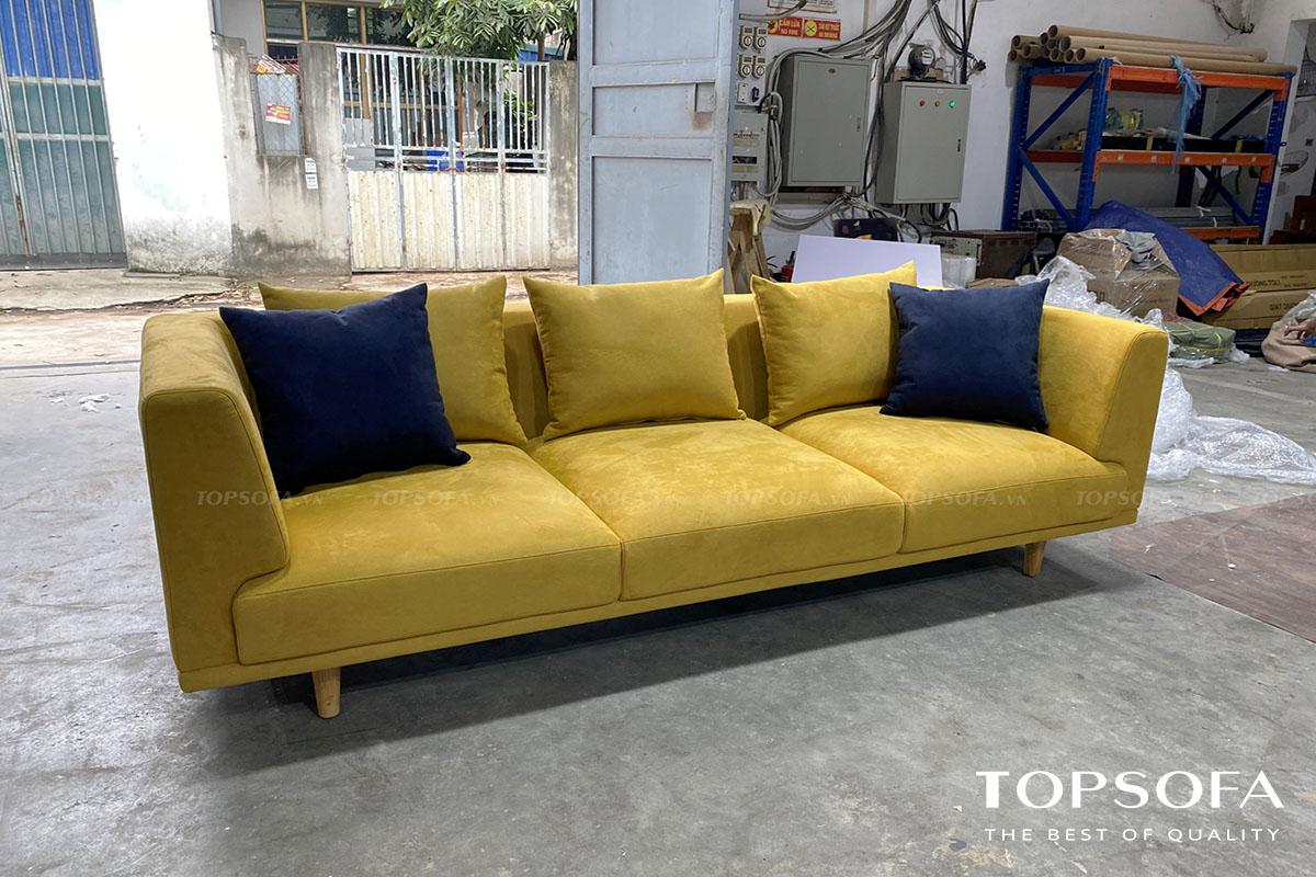Sắc vàng cỏ úa của mẫu sofa này sẽ giúp cho phòng khách chung cư trông thời thượng, tươi sáng, hiện đại và mới mẻ hơn
