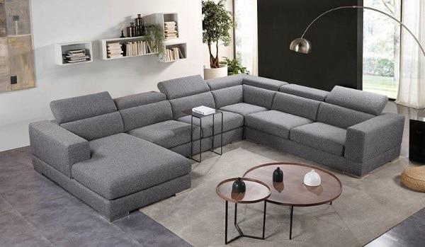 Sofa góc chữ U kích thước lớn phù hợp với phòng khách rộng