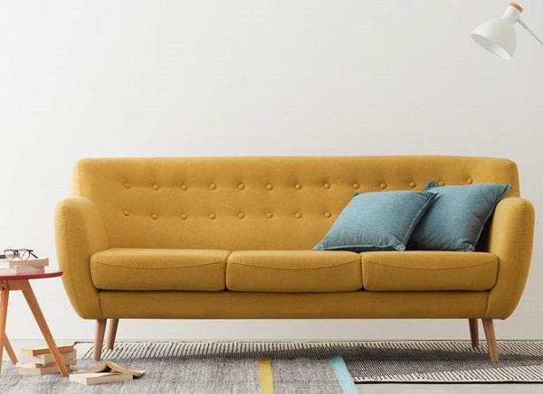 Sofa vải có gầm cao giúp bạn dễ dàng trong việc vệ sinh sản phẩm.