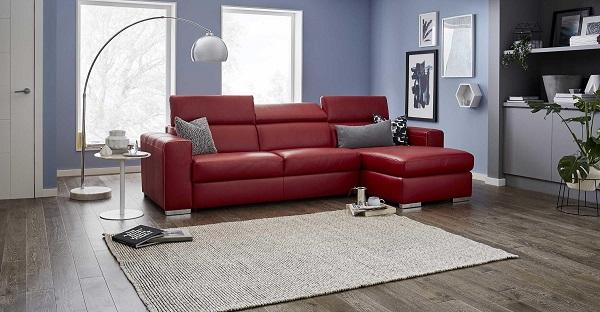Chân mạ bạc sang trọng chính là điểm nhấn giúp mẫu sofa góc này hoàn hảo hơn trong căn phòng khách nhỏ.