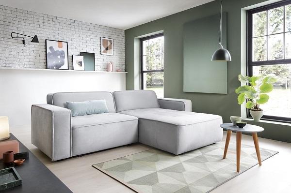 Với phần đệm ngồi kích thước lớn, mẫu ghế sofa góc 2m này có thể giải quyết bài toán tiết kiệm diện tích hoàn hảo khi kết hợp hộc chứa đồ và giường kéo bên trong phần đệm ngồi