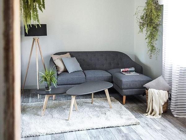 Do sử dụng vải polyester có khả năng chống ố tốt cùng sắc xám khó lộ vết bẩn nên mẫu sofa góc 2m này luôn trông như mới và rất dễ vệ sinh, bảo dưỡng