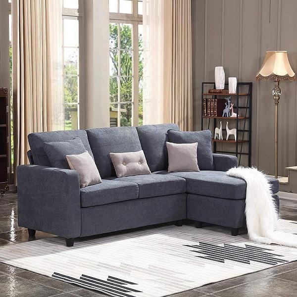 Đệm ngồi dày và đệm lưng mềm mại của mẫu sofa góc 2m2 này giúp người dùng luôn luôn cảm thấy êm ái khi ngồi