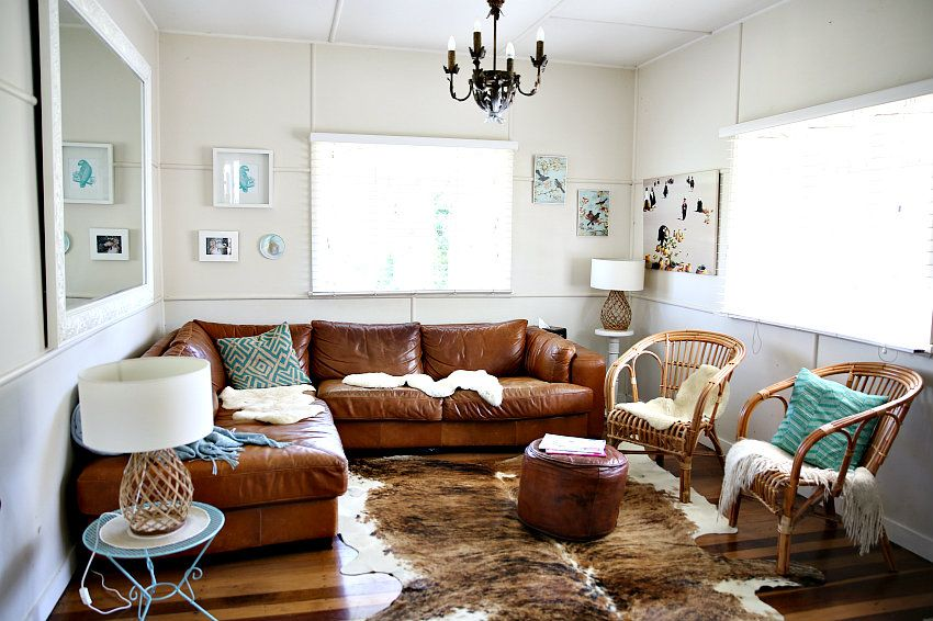 Dù căn phòng khá nhỏ nhưng vẫn tạo ra một không gian nghỉ ngơi đầy đủ, hiện đại và tiện nghi.