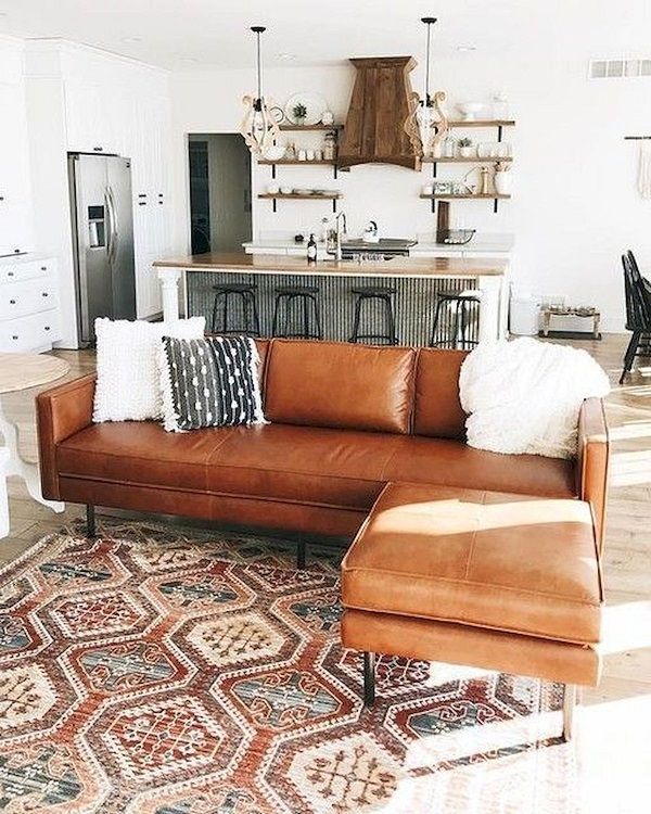 Kết hợp mẫu sofa với các họa tiết vintage giúp bạn tạo nên một không gian vô cùng độc đáo, ấn tượng.