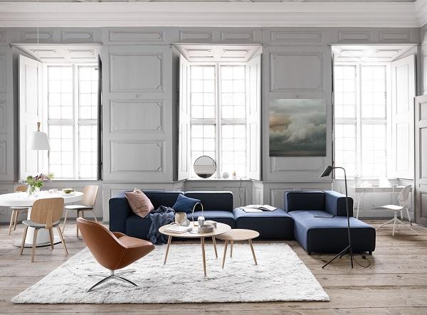 Sofa góc trứng này có hình dạng giống chữ L nhưng được thiết kế bởi những phần tách biệt rồi gắn vào nhau giúp tháo lắp và di chuyển dễ dàng hơn. Màu xanh đậm chủ đạo nổi bật, mang đến không gian sang trọng, cổ điển và đẳng cấp