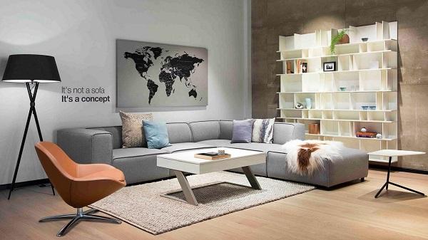 Chinh phục người nhìn với ấn tượng đầu tiên là thiết kế chữ V đặc trưng cùng màu chủ đạo xám, mẫu sofa nỉ này mặc dù có thiết kế đơn giản nhưng vẫn đem đến cho không gian phòng sự sang trọng và thanh lịch