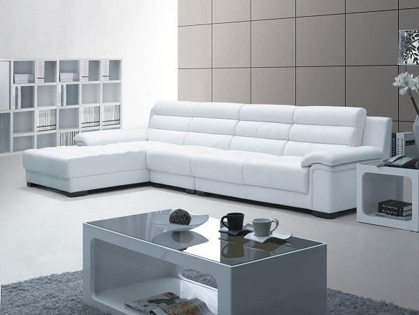 Thiết kế chân vuông vức, màu đen tạo cảm giác không chân, mẫu sofa góc L còn có đệm lưng 2 ngấn giúp cho gia chủ có cảm giác được mát xa thư giãn.