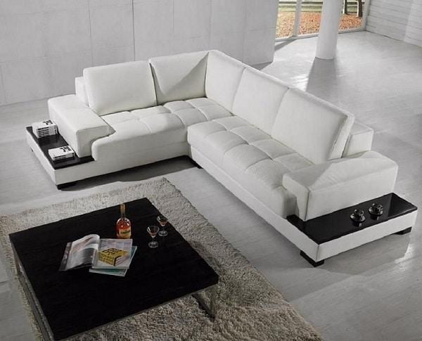 Chất liệu có độ bền cao, cộng thêm phần đệm mút dày nhưng không bí bách. Mẫu sofa này sẽ là một sự lựa chọn hoàn hảo cho không gian phòng khách hoặc phòng ngủ.