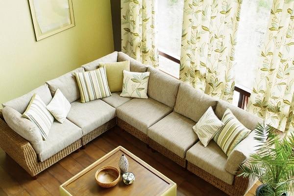 Mang xu hướng thời xưa, mẫu sofa này được các quán cà phê, quán nước rất ưa chuộng và luôn luôn được săn đón mỗi khi ra mẫu sản xuất mới.