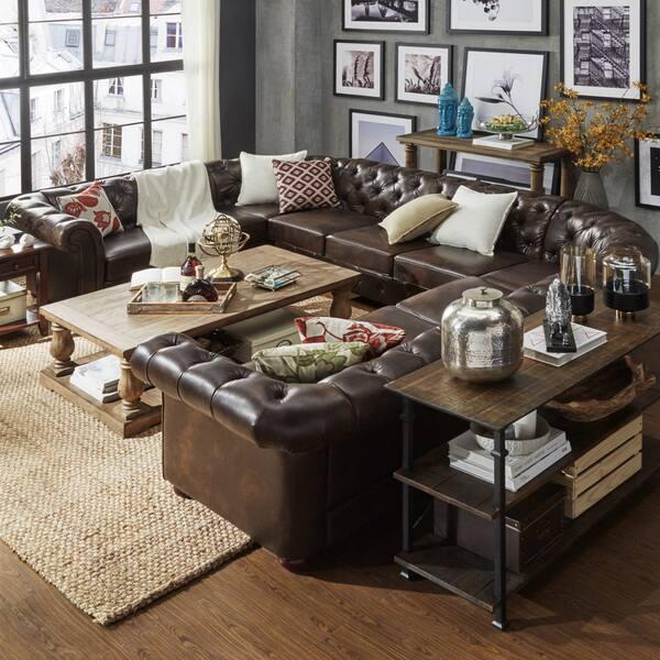 Sofa góc chữ U bọc da cao cấp, màu nâu trơn cũng là một sản phẩm khá thông dụng đối với những hộ gia đình vừa và rộng.