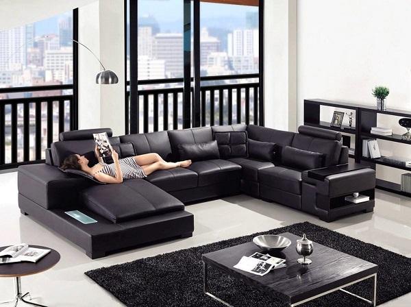 Góc bên phải được thiết kế với nệm trải dài xuống, vừa nằm đọc sách hay coi tivi đều được. Mẫu sofa này đem đến cảm giác ấm cúng của một gia đình mỗi dịp sum vầy.