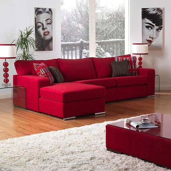 Mẫu sofa góc màu đỏ đậm đem đến không gian tươi trẻ, cá tính phù hợp với những người trẻ