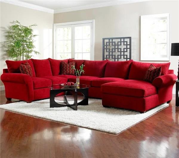 Mẫu sofa góc màu đỏ này đem đến cho không gian nhà bạn sự ấm áp, tươi mới đặc biệt là vào những ngày đông