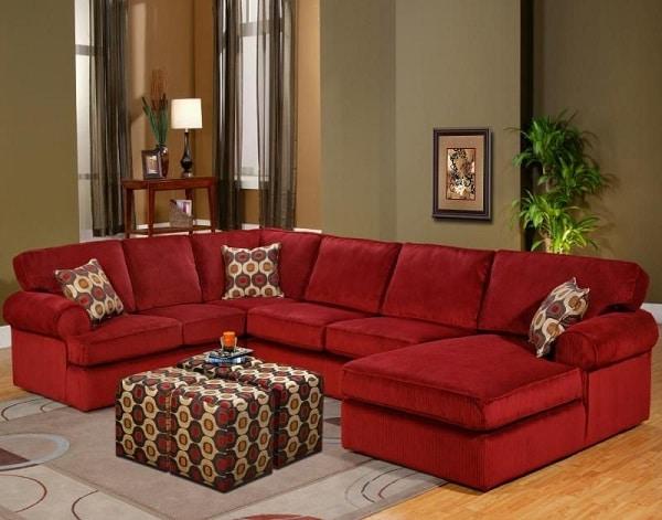 Mẫu sofa góc đỏ đem đến sự tinh tế, nhã nhặn với thiết kế đơn giản phù hợp với không gian hiện đại của các hộ gia đình