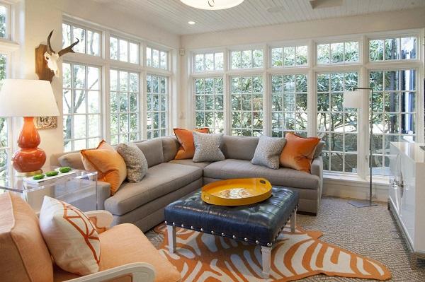 Không chỉ tạo dấu ấn màu sắc, mẫu sofa góc này còn mang đến chỗ ngồi hoàn hảo cho người dùng ngay trong phòng khách nhỏ với phần đệm 3 lớp dày dặn và phần vải bọc mềm mại
