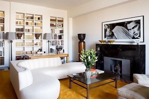Với vẻ đẹp sang trọng và sự tiện dụng, bạn hoàn toàn có thể biến mẫu sofa này thành chỗ nằm đọc sách đầy lý thú