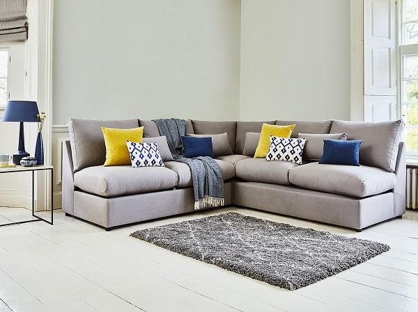 Vải bố bọc sofa góc được làm hoàn toàn từ nguyên liệu thiên nhiên như sợi gai, bông, đay nên đảm bảo an toàn cho người sử dụng