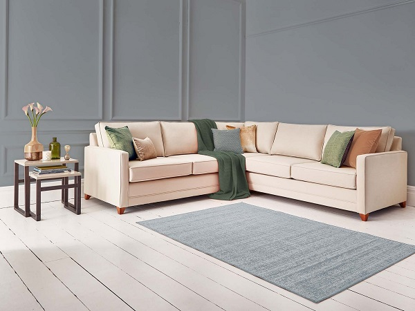Sofa góc vải bố là loại sofa dành cho những người coi trọng độ bền, khả năng làm sạch và thích ứng với điều kiện thời tiết của sản phẩm