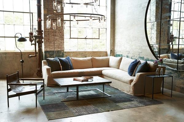 Tay ghế sofa thiết kế gấp khúc kết hợp vải bố bọc đứng dáng vừa giúp tăng tính thẩm mỹ vừa giúp người dùng cảm thấy thoải mái hơn khi để tay lên