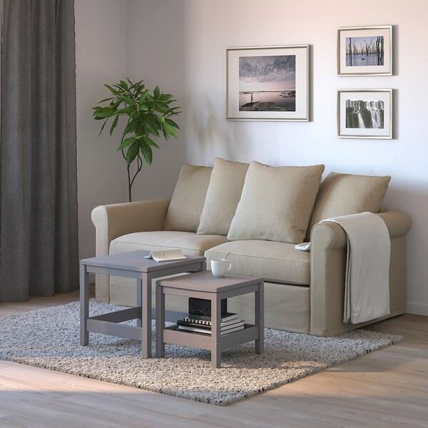 Một góc trong căn nhà nhìn thật tinh tế và nhẹ nhàng khi có một chiếc sofa văng 1m6 với những sắc màu mới mẻ như kem, be hay rêu. Tín đồ đam mê sưu tầm nội thất không dễ dàng bỏ qua những thiết kế tinh tế như vậy.