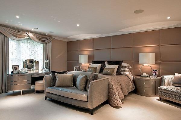 Mẫu sofa văng 1m6 với tông màu nhất quán với thiết kế phòng ngủ sẽ đem lại một không gian vừa tiện nghi vừa ấm cúng và thư giãn cho gia chủ.