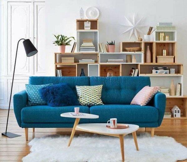 Sofa ở phòng làm việc có thể được bố trí gọn gàng ngăn nắp đủ ảnh sáng