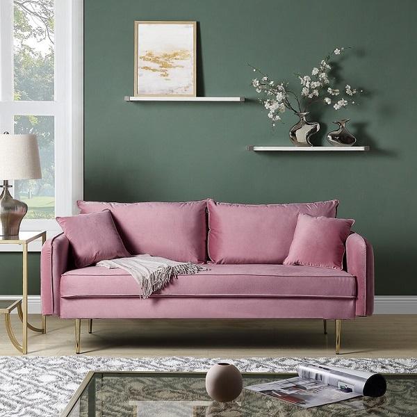 Sofa hồng mang lại vẻ đẹp nữ tính, nhẹ nhàng mà vô cùng sang trọng cho căn phòng.