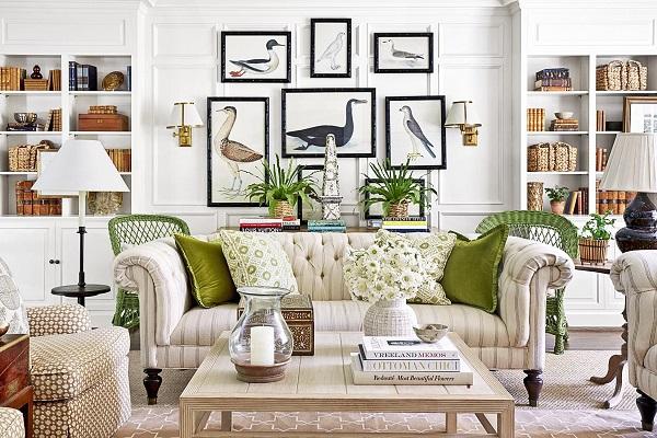 Giữa những đồ trang trí trong nhà thì mẫu sofa văng này vẫn trở thành điểm nhấn nổi bật nhờ những chi tiết mang hơi hướng cổ điển