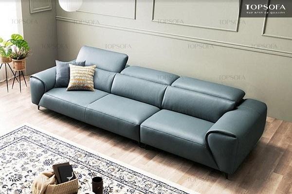 Kiểu sofa vừa vặn cho phòng khách tiện nghi. Chất liệu da tạo nên vẻ sang trọng và hợp thời cho không gian.