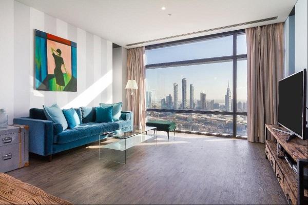 Với chất liệu vải nhung mềm mại kết hợp với sắc xanh mát dịu, mẫu sofa này hứa hẹn sẽ là chỗ nghỉ ngơi lý tưởng của gia chủ trong căn hộ chung cư