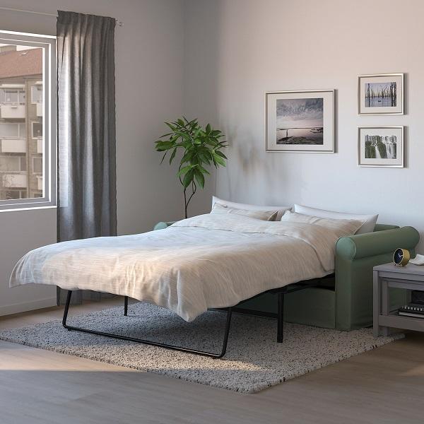 Sofa được thiết kế sàn sàn, chắc chắn, khi kéo ra thành giường có khung nâng kim loại hơi choãi ra vững chãi nên luôn đảm bảo an toàn cho người sử dụng