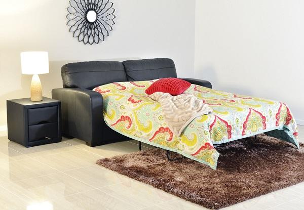 Với cơ chế gấp ba lần đơn giản, người dùng có thể dễ dàng tháo đệm, mở khung ra để biến thành một chiếc giường hoàn hảo