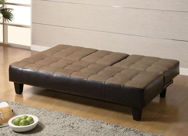 Không chỉ có phần lưng ghế linh hoạt, mẫu sofa giường nâu đen này còn được thiết kế ô vuông với những điểm nhấn sâu giúp mang lại cảm giác thoải mái cho người dùng