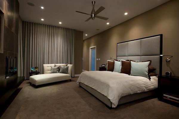Với màu be nền nã cùng phần đệm êm mềm, mẫu sofa văng giường băng dài này có thể mang đến cảm giác dễ chịu, thoải mái nhất cho người dùng